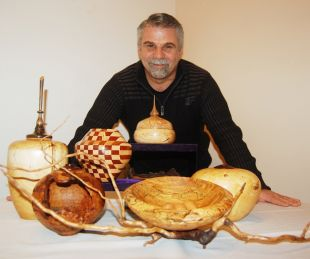 Canadian Wood Turners Exhibit Their Pieces